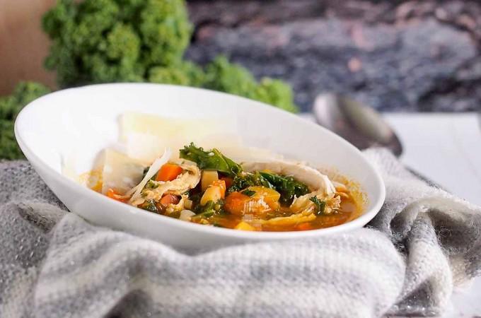Wloska zupa z kurczakiem, pieczonym czosnkiem i parmezanem / Italian chicken, roasted garlic and parmesan soup
