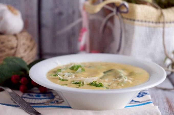 Kremowa zupa ziemniaczano-serowa / Creamy potato and cheese soup