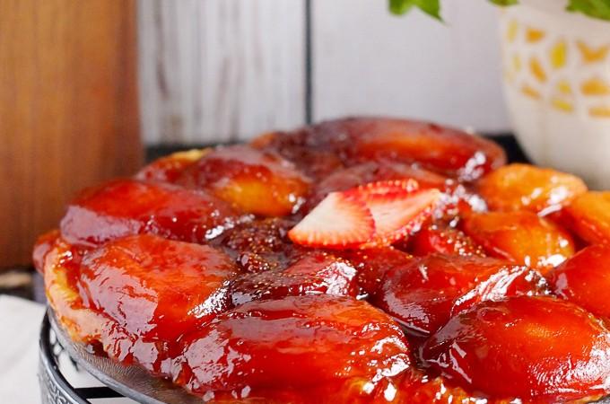 Tarte Tatin z jabłkami i truskawkami / Apple and strawberry Tarte Tatin