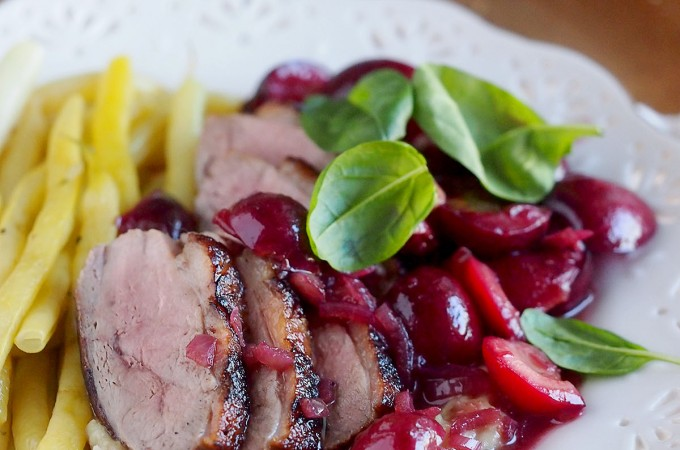 Pierś kaczki z czereśniami / Duck breast with sweet cherries