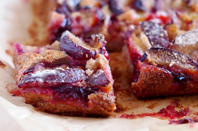Pełnoziarniste ciasto ze śliwkami / Whole wheat plum cake
