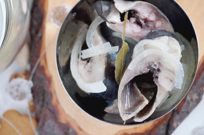 Śledzie marynowane w occie / Herring marinated in vinegar