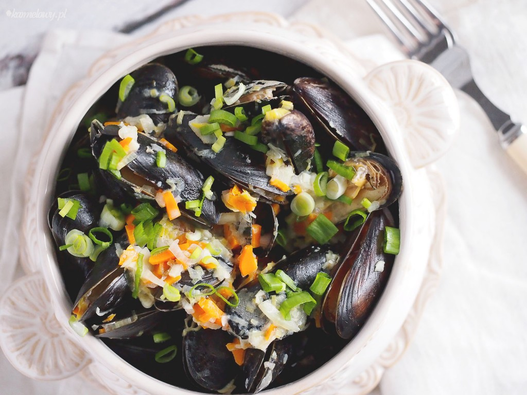 Mule w śmietankowym sosie czosnkowym / Mussels wuth creamy garlic sauce