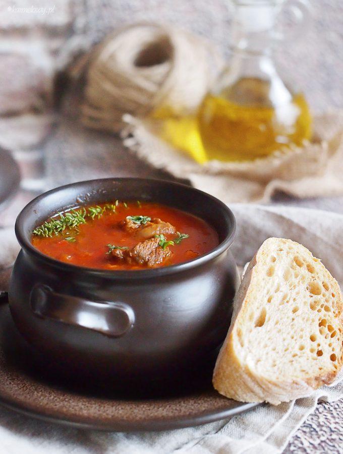 Zupa gulaszowa z wołowiną / Beef goulash soup