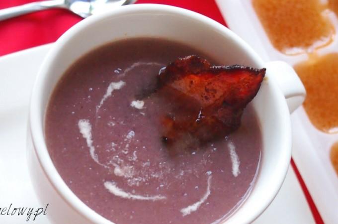 Zupa-krem z czerwonej kapusty z boczkiem