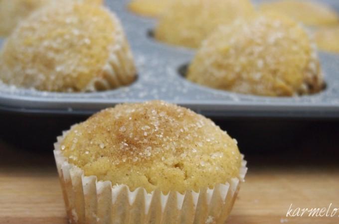 Cynamonowe muffiny pączkowe z powidłami śliwkowymi