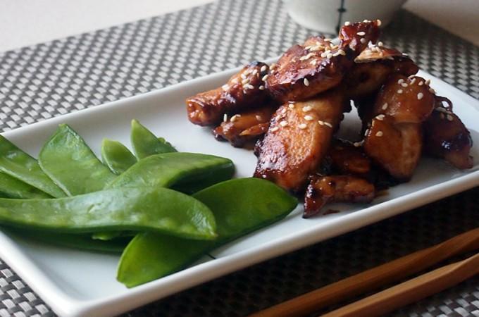 Miodowy kurczak po wietnamsku z groszkiem cukrowym