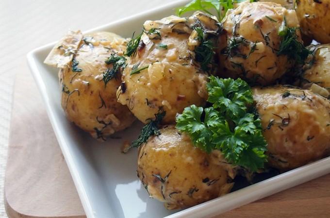 Młode ziemniaki w śmietanie Marii Disslowej