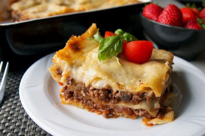 Lasagne bolognese z pieczarkami