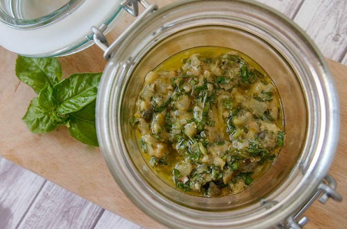 Włoska salsa verde Jamiego Olivera/Jamie Oliver's Italian salsa verde