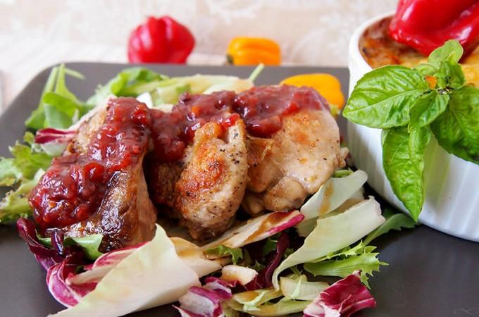 Udka kurczaka z pikantnym sosem malinowym/Raspberry chipotle chicken thighs