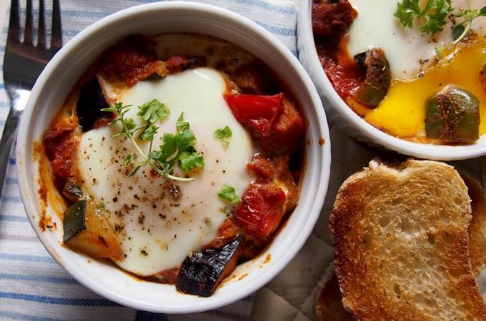 Jajka pieczone z ratatouille/Baked eggs with ratatouille