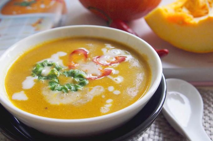 Orientalna zupa z dyni z mlekiem kokosowym i chilli / Butternut squash, chilli & coconut soup