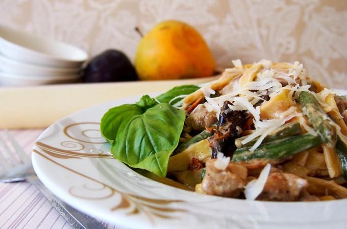 Fettuccine z kurczakiem w stylu śródziemnomorskim/Mediterranean pasta
