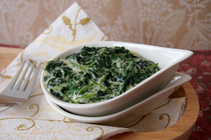 Klasyczny szpinak w sosie beszamelowym/Classic creamed spinach