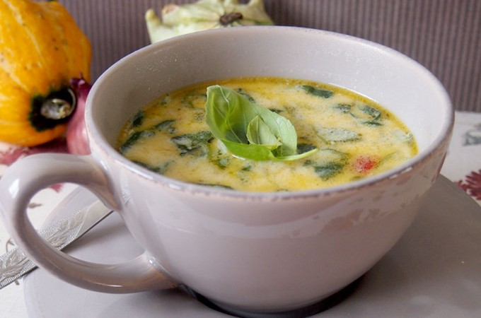 Kremowa zupa z kurczakiem i serem brie / Creamy chicken and brie soup