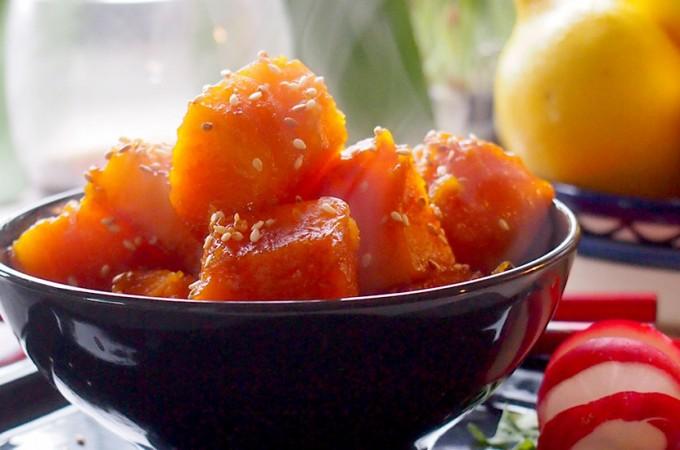 Dynia w słodkiej glazurze sezamowej / Pumpkin with a sweet sesame glaze