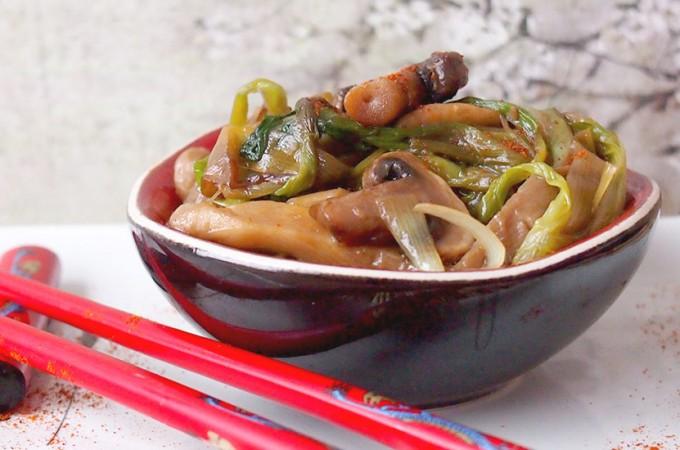 Aromatyczne pory smażone z grzybami / Sauteed leeks and mushrooms