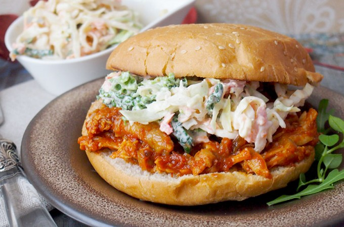 Pikantny pulled chicken / Spicy pulled chicken