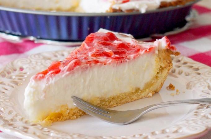 Tarta z nadzieniem z serka śmietankowego i truskawkami / Strawberry cream cheese tart