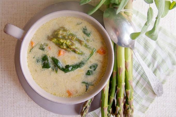Wiosenna zupa ze szparagami i szpinakiem / Asparagus and spinach spring soup