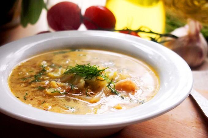 Lekki kapuśniak z młodej kapusty / Young cabbage soup