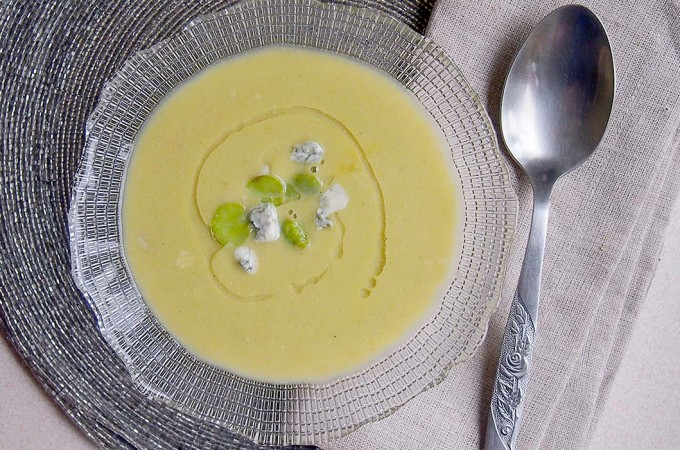 Zupa krem z bobem i gorgonzolą / Easy broad bean and gorgonzola soup