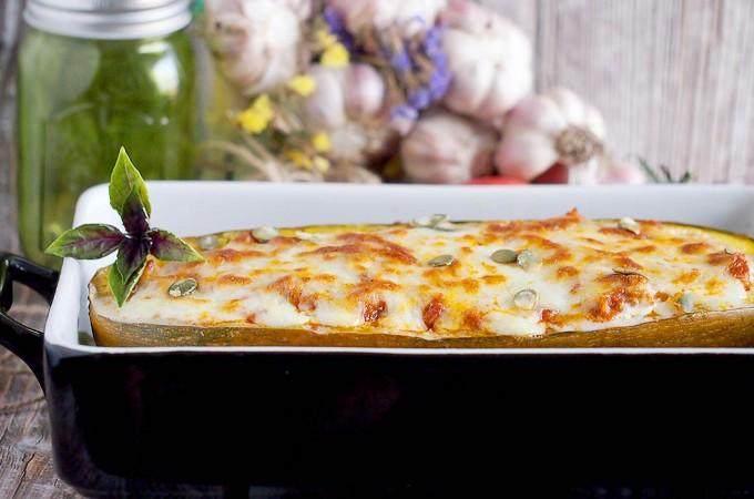 Nadziewana dynia makaronowa / Stuffed spaghetti squash