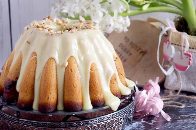 Babka drożdżowa z powidłami / Easter bundt cake with plum jam