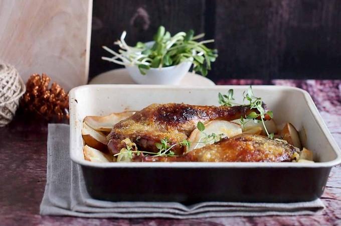 Miodowo-musztardowe udka kacze z gruszkami / Honey mustard duck legs with pears