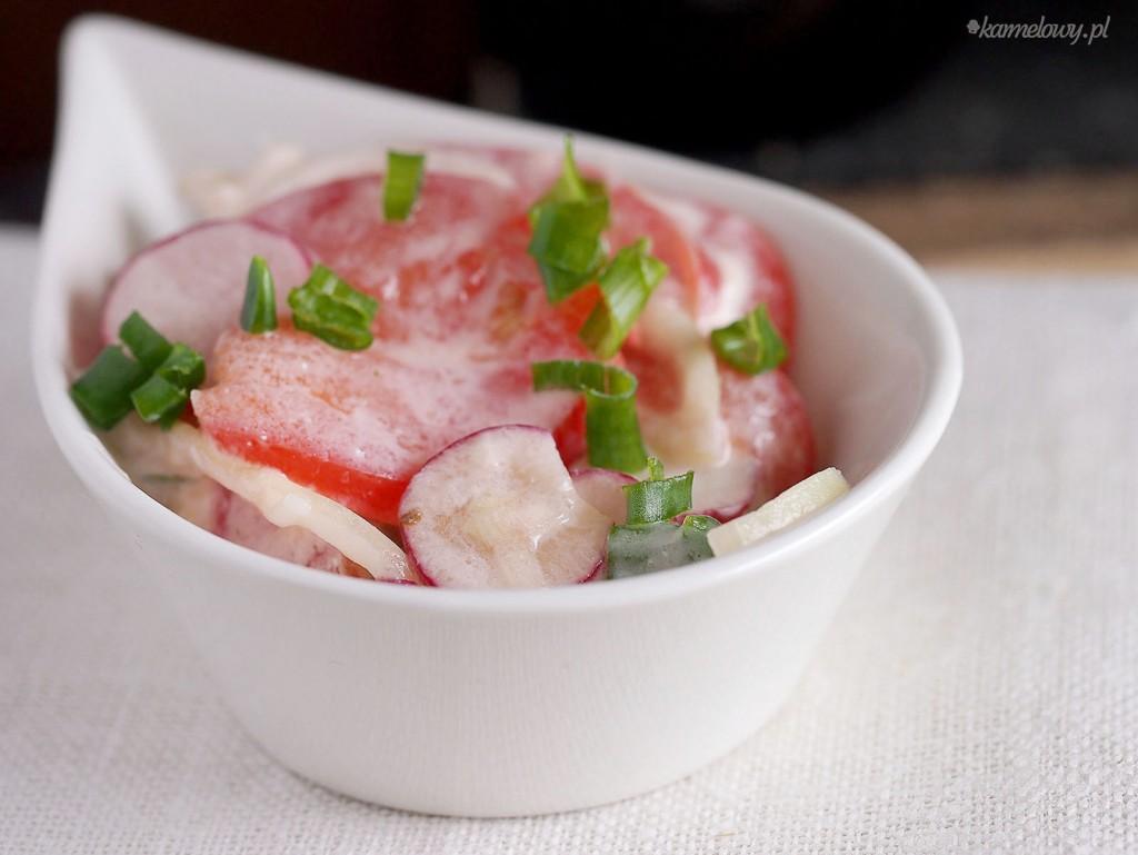salatka z pomidora i rzodkiewki