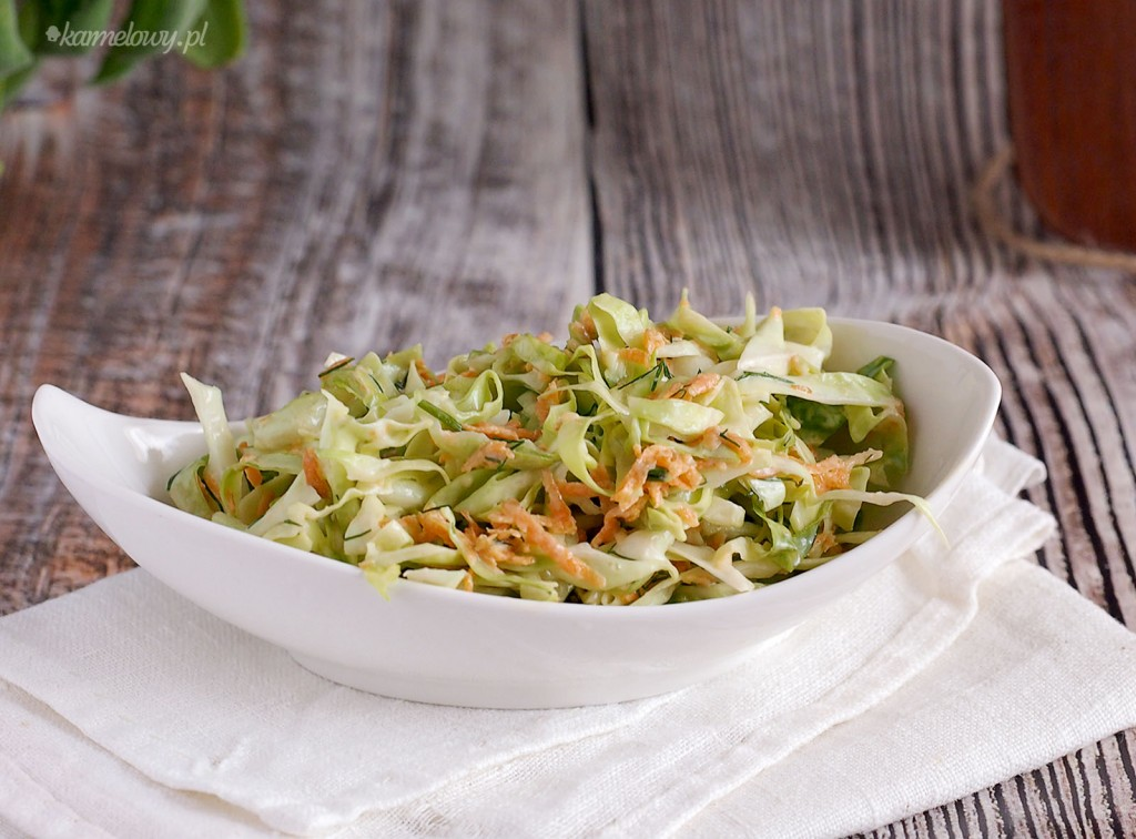 Szybka surówka z młodej kapusty / Easy young cabbage slaw