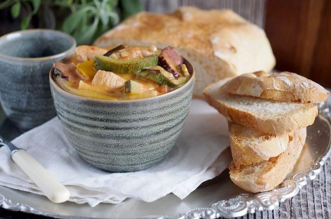 Gulasz z kurczakiem i warzywami / Chicken and vegetable stew
