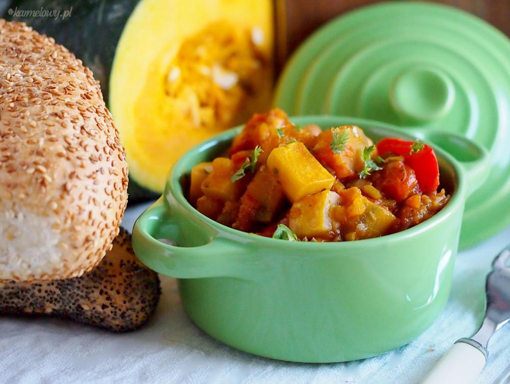 Jesienny gulasz z dynią, cukinią i soczewicą / Fall pumpkin, zucchini and lentil stew