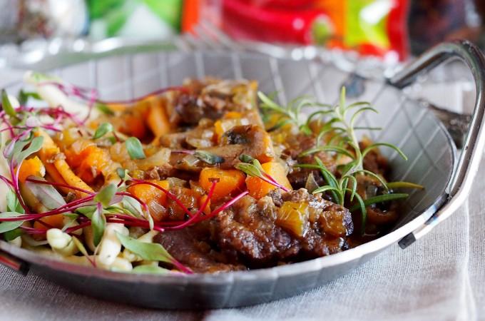 Makaron z gulaszem jagnięcym z czosnkiem niedźwiedzim / Pasta with lamb stew with wild garlic