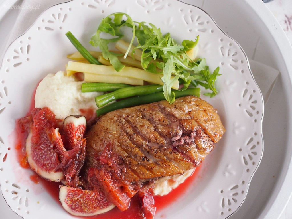 Piersi kacze w sosie śliwkowym z figami / Duck breasts with plum sauce and figs