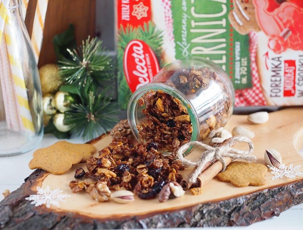 Świąteczna granola z pierniczkami / Christmassy gingerbread granola