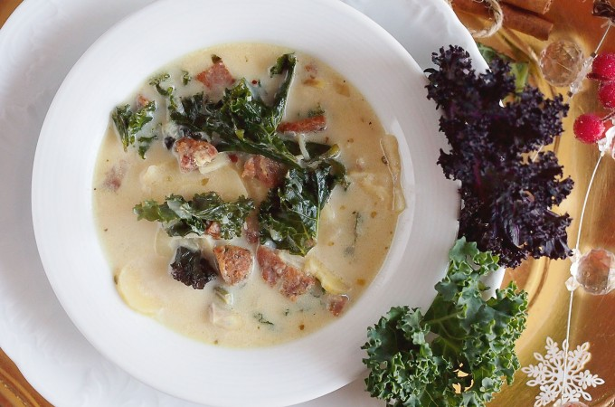 Sycąca zupa z kiełbasą i jarmużem / Sausage nad kale soup