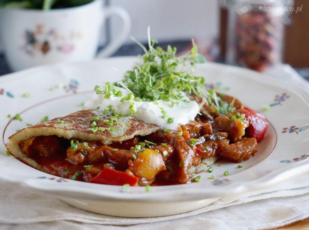 Placki ziemniaczane po wegiersku / Hungarian style potato pancakes