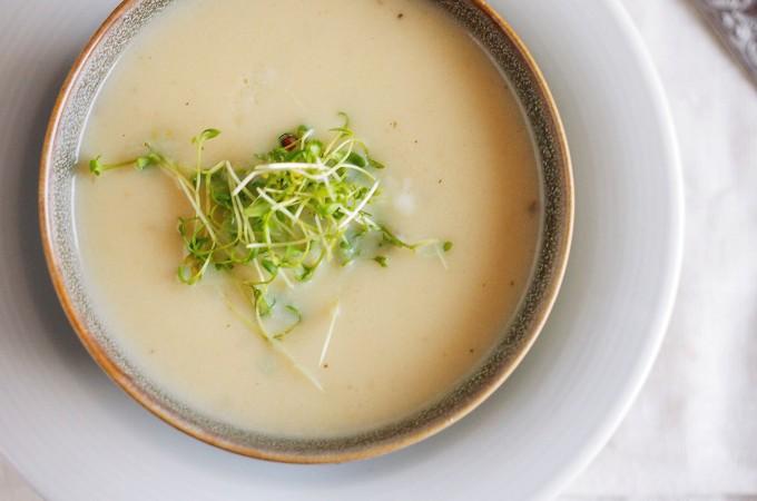 Kremowa zupa z gruszki i pietruszki / Creamy pear and parsnip soup