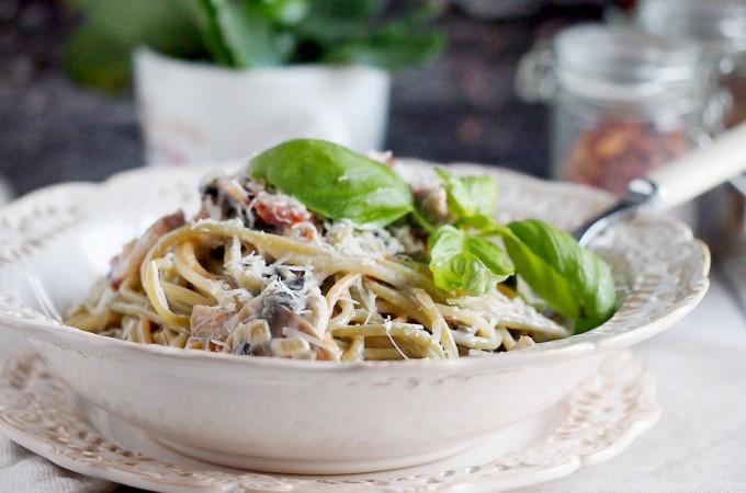 Spaghetti carbonara z pieczarkami / Mushroom spaghetti carbonara