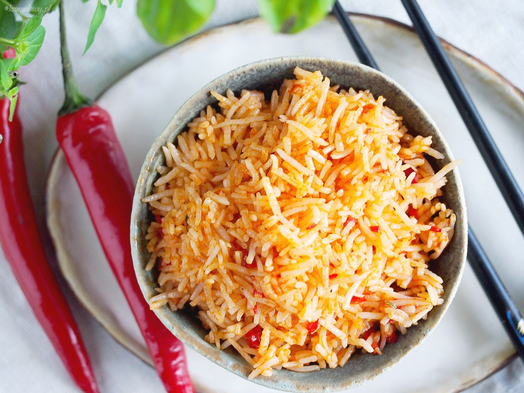 Pikantny ryż z papryczkami chilli / Spicy rice with chilli