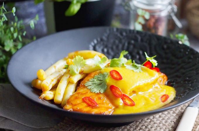 Łosoś z sosem z mango / Roasted salmon with mango sauce