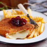 Smażony ser w panierce / Fried cheese