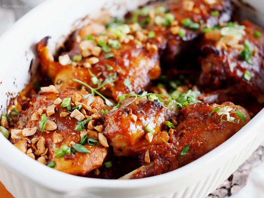 Pieczony kurczak w sosie satay / Roasted chicken satays