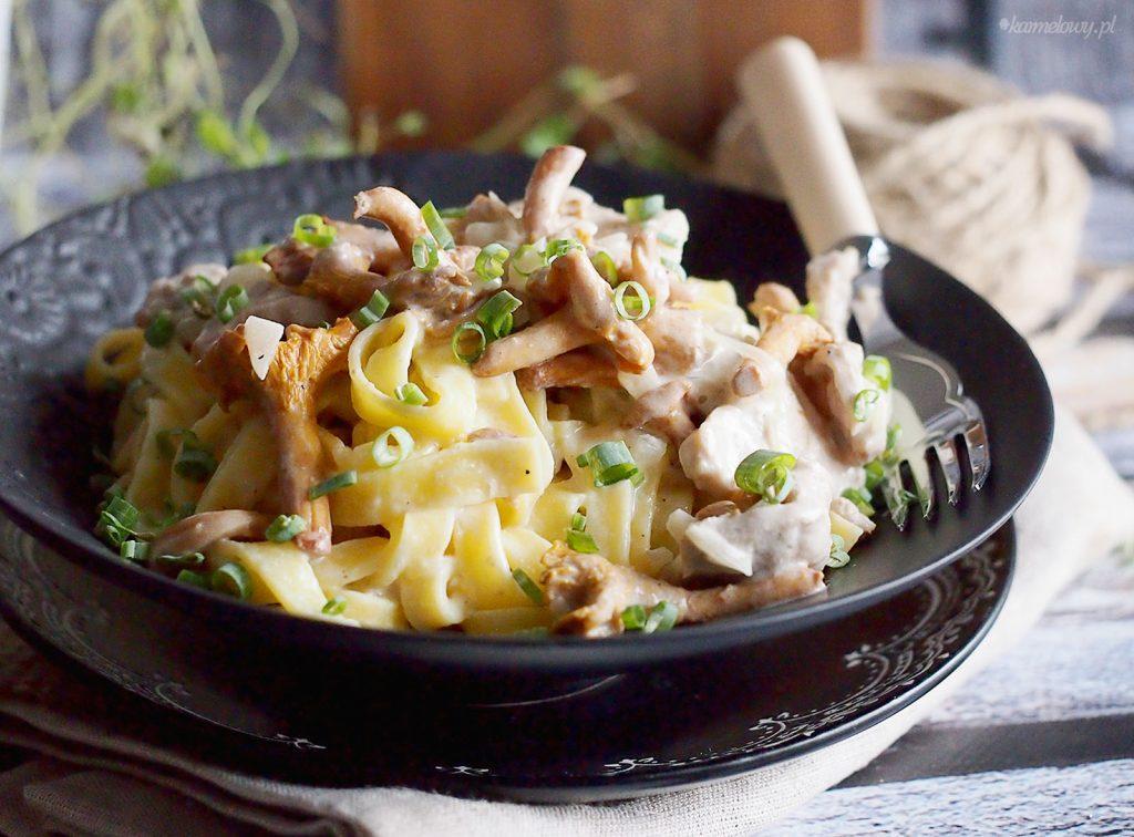 Makaron w sosie z wieprzowiną i kurkami / Pork and chanterelle pasta