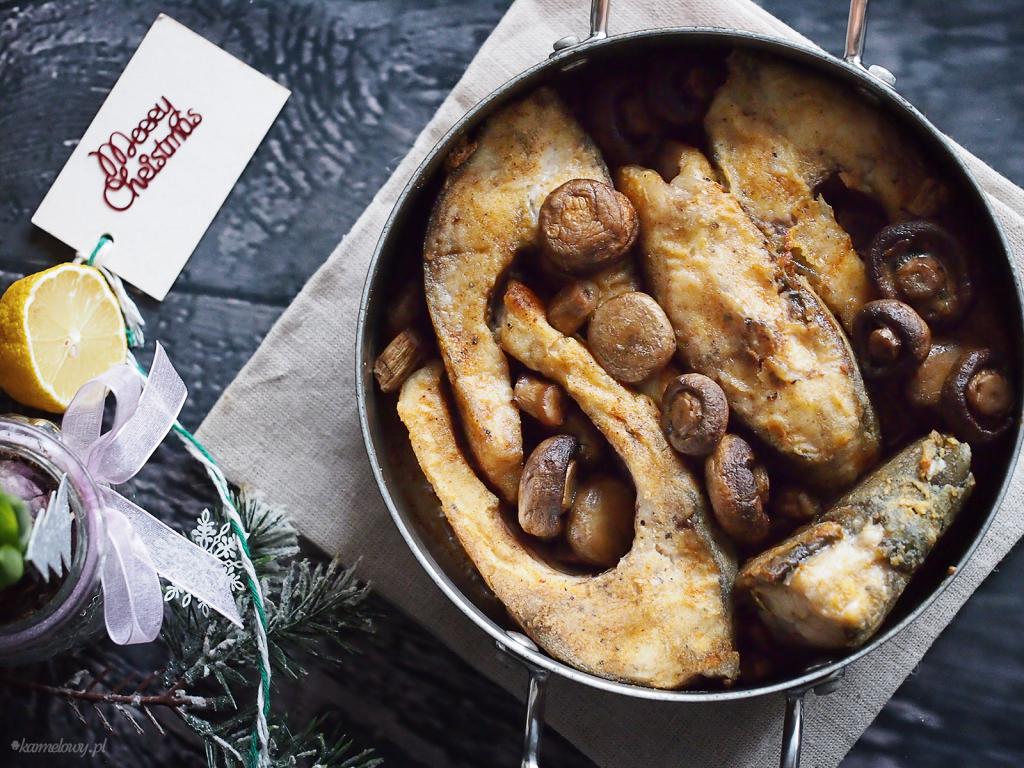 Karp zapiekany z pieczarkami / Carp baked with mushrooms
