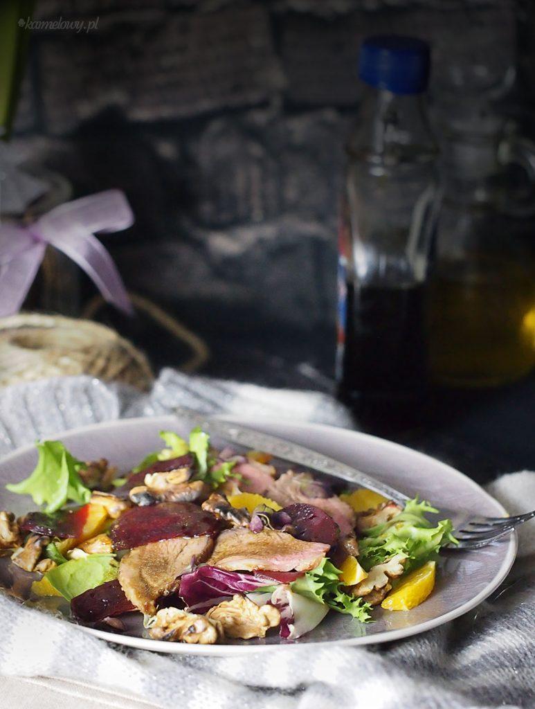 Sałatka z kaczką, pieczonymi burakami i pomarańczą / Duck beets and orange salad