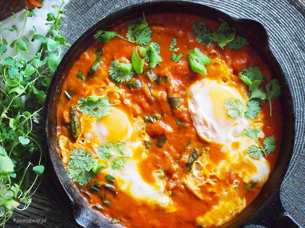 Jajka z dynią i boczniakami po indyjsku / Indian style eggs with pumpkin and oyster mushrooms