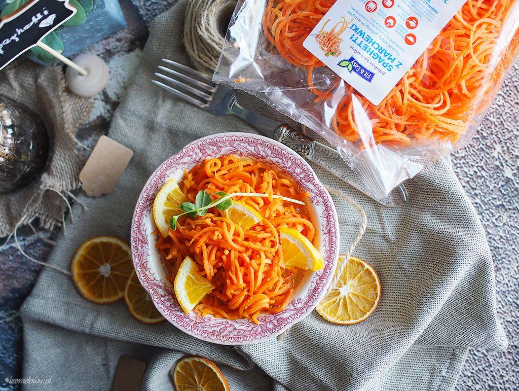 Makaron z marchewki w miodzie i pomarańczach / Orange and honey glazed carrot spaghetti